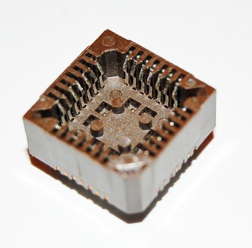 28 Pin Closed Frame PLCC IC Socket Amp
