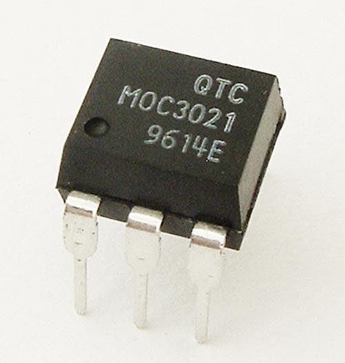MOC3021 Optoisolator Triac Driver QT Optoelectronics