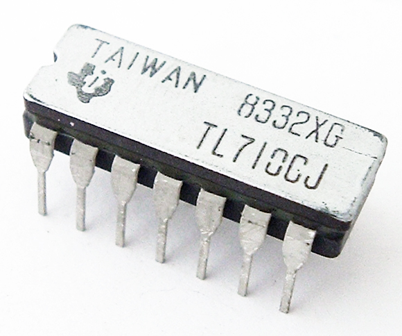 TL710CJ Differential Comparator IC Texas Instruments®