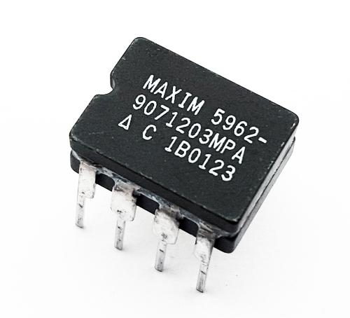 5962-9071203MPA RAM Controller IC MAXIM