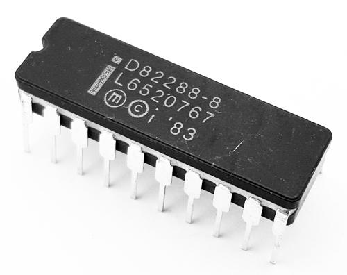 D82288-8 Intel 20 Pin DIP Bus Controller IC