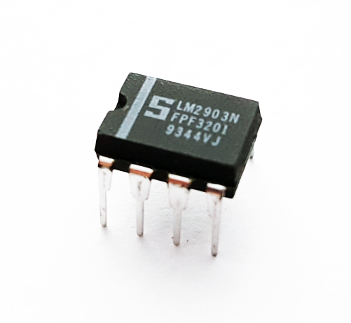 LM2903N Low Power Dual Voltage Comparator IC Signetics
