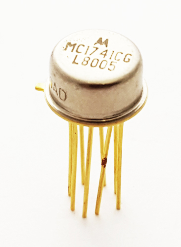 MC1741CG Internally Compensated High Performance Op Amp IC Motorola