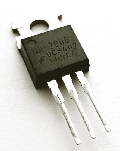 7905 UA7905 5V 1A Negative Voltage Regulator IC Fairchild