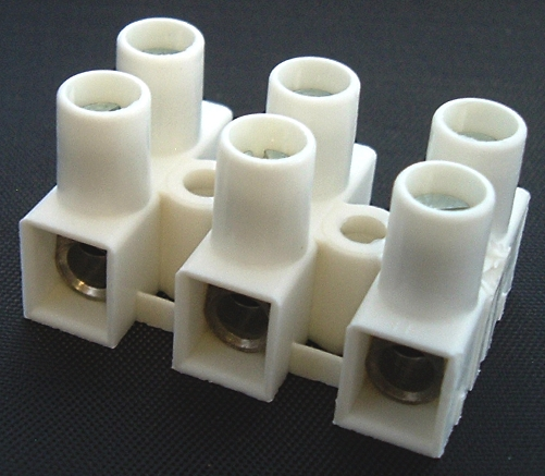 3 Circuit 2 Row 50A 300V Terminal Block Altech® HE10WPR/03