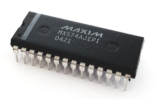 MX574AJEPI 12-Bit Analog to Digital Converter ADC Logic IC Maxim®