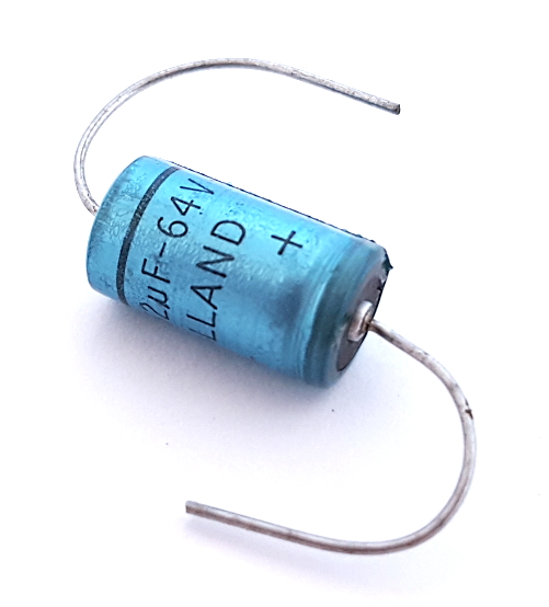 32uF 64V Axial Electrolytic Capacitor Amperex® / Philips® 2222-004-18392